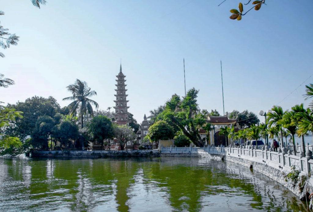10 удивительных памятников истории Вьетнама