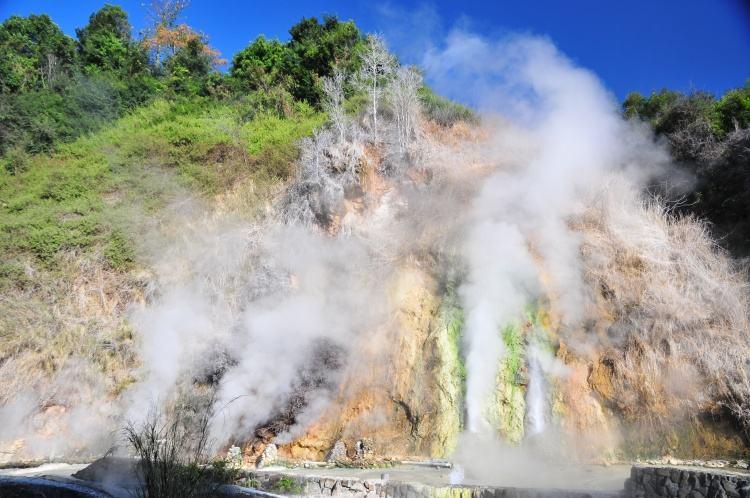 Долина гейзеров Тэнчон, Юньнань, Китай