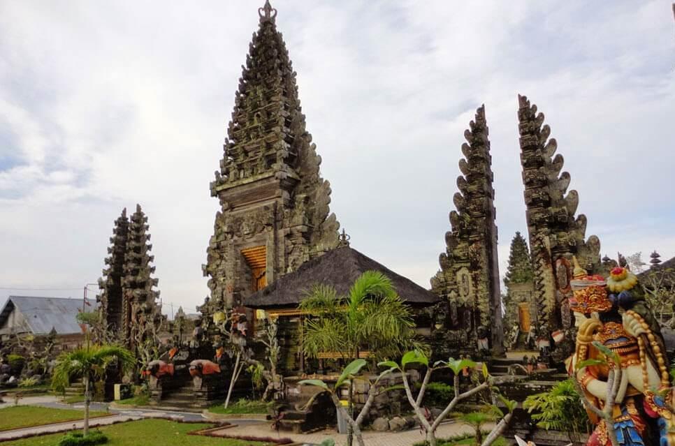Пура Улун Дану Батур, Бали, Индоне