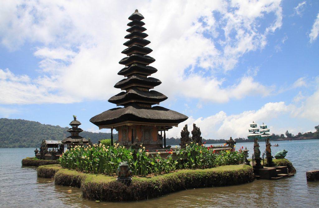 Пура Улун Дану Братан, Бали, Индонезия