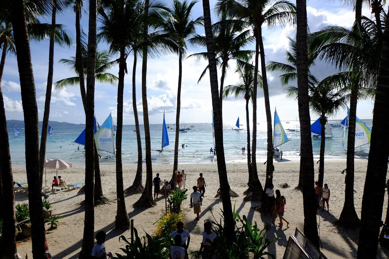 белый пляж боракай филиппины