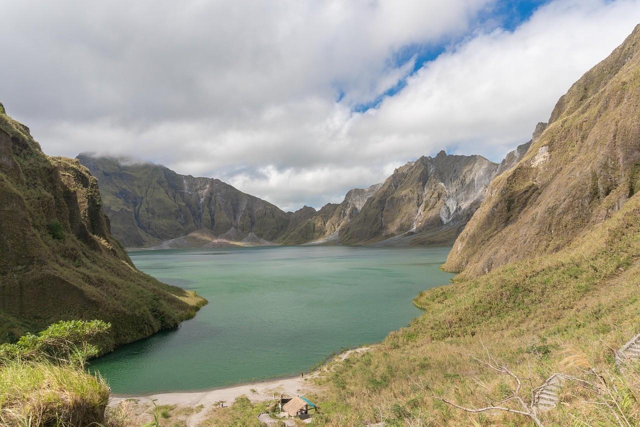 гора пинатубо лусон филиппины