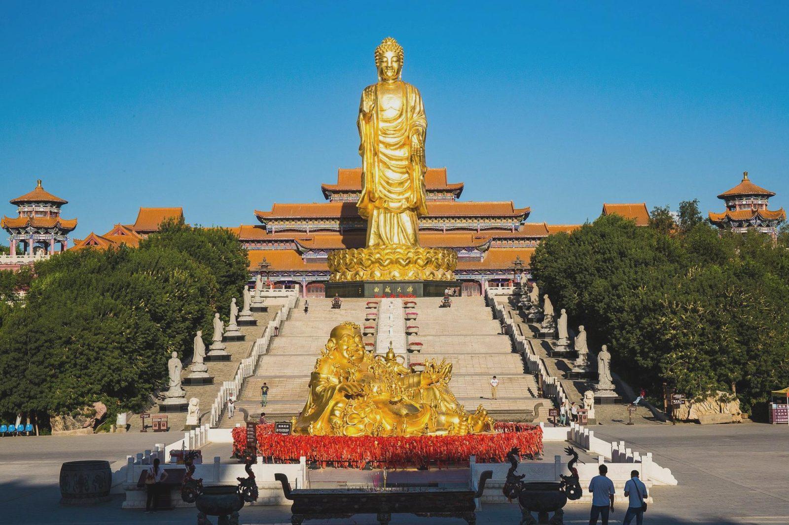 Буддийский храм Красного света, Урумчи, Синьцзян, Китай