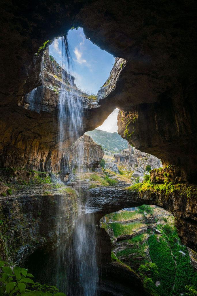 иван, Водопад Баатара