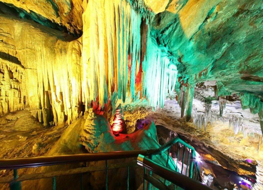 Пещера Цзигуан, Лоян, Китай