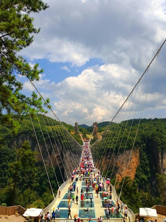 Стекланный мост, горы аватара, Чжанцзяцзе, Китай