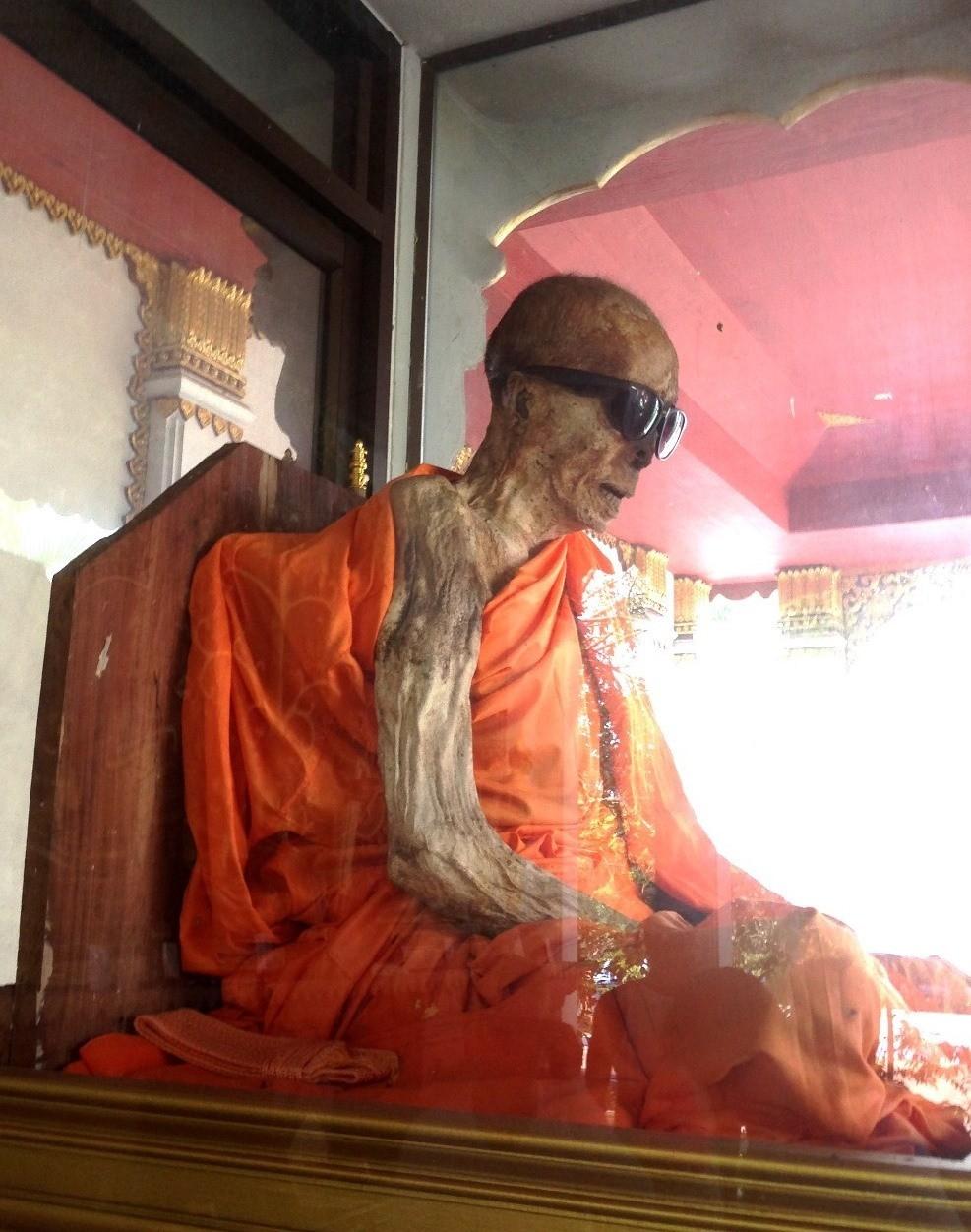 Ват Кхунарам на Самуи, Таиланд
