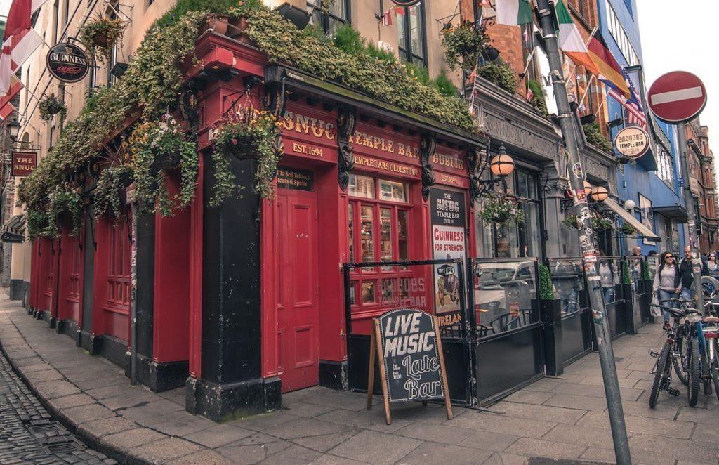 Пивной бар в Дублине, Ирландия