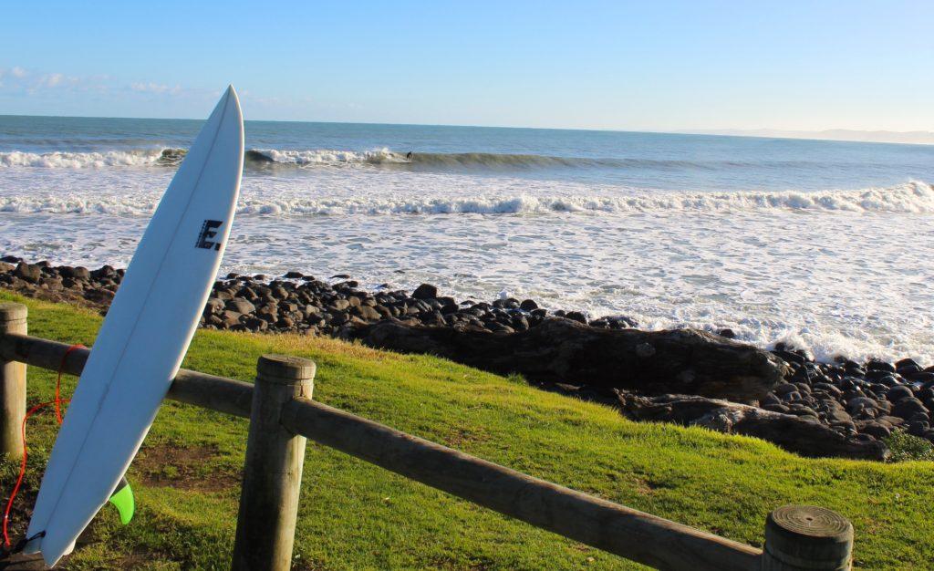 серфинг в Реглане, бухта Ману, Новая Зеландия