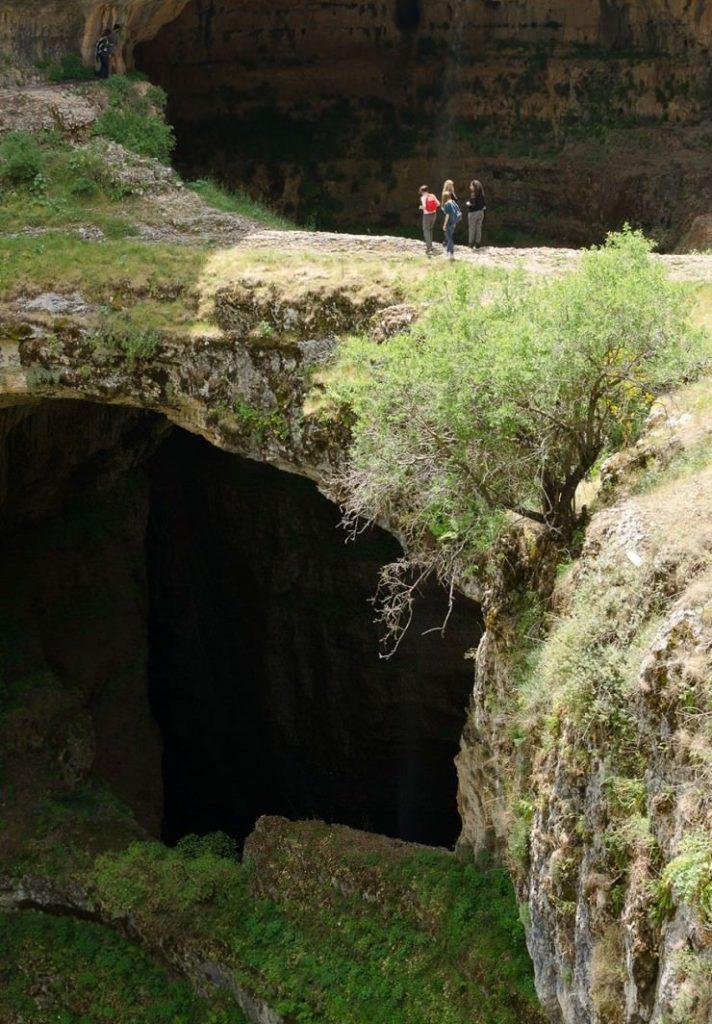 Затерянное чудо света: Пещера трех мостов в Ливане