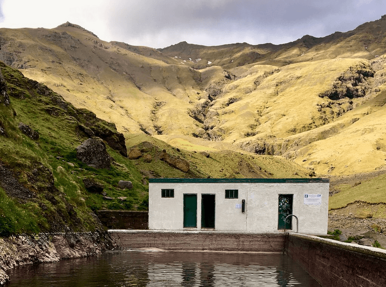 Горячий источник и бассейн Сельяваллалауг, Исландия