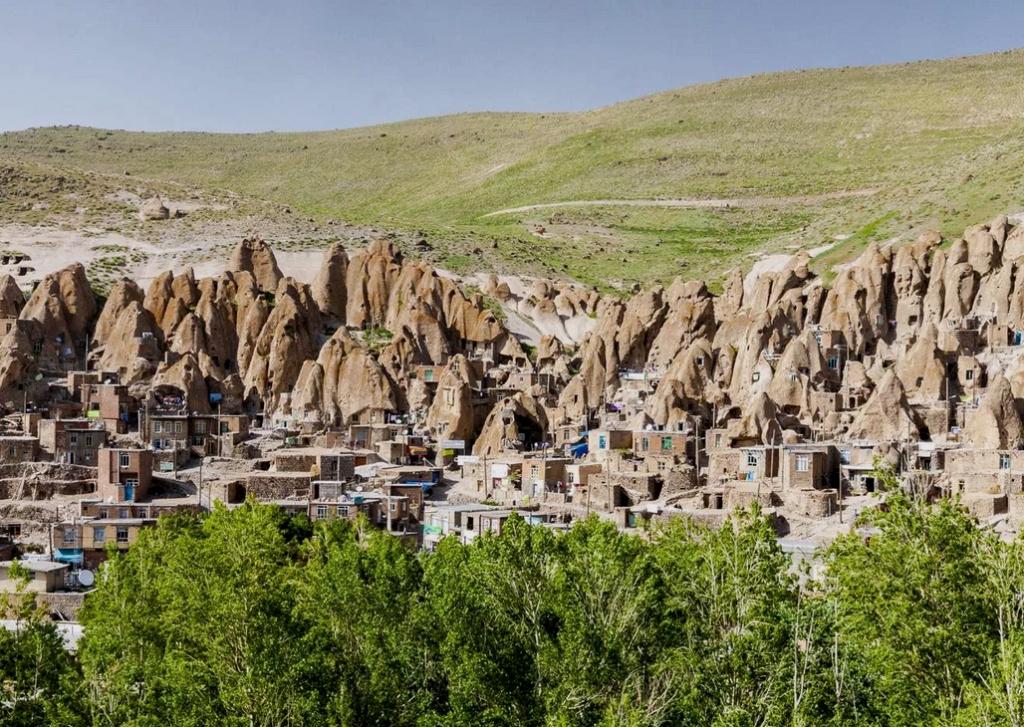 Кандован, Иран