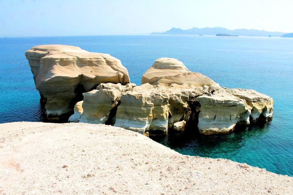 Пляж Саракинко, Милос, Греция