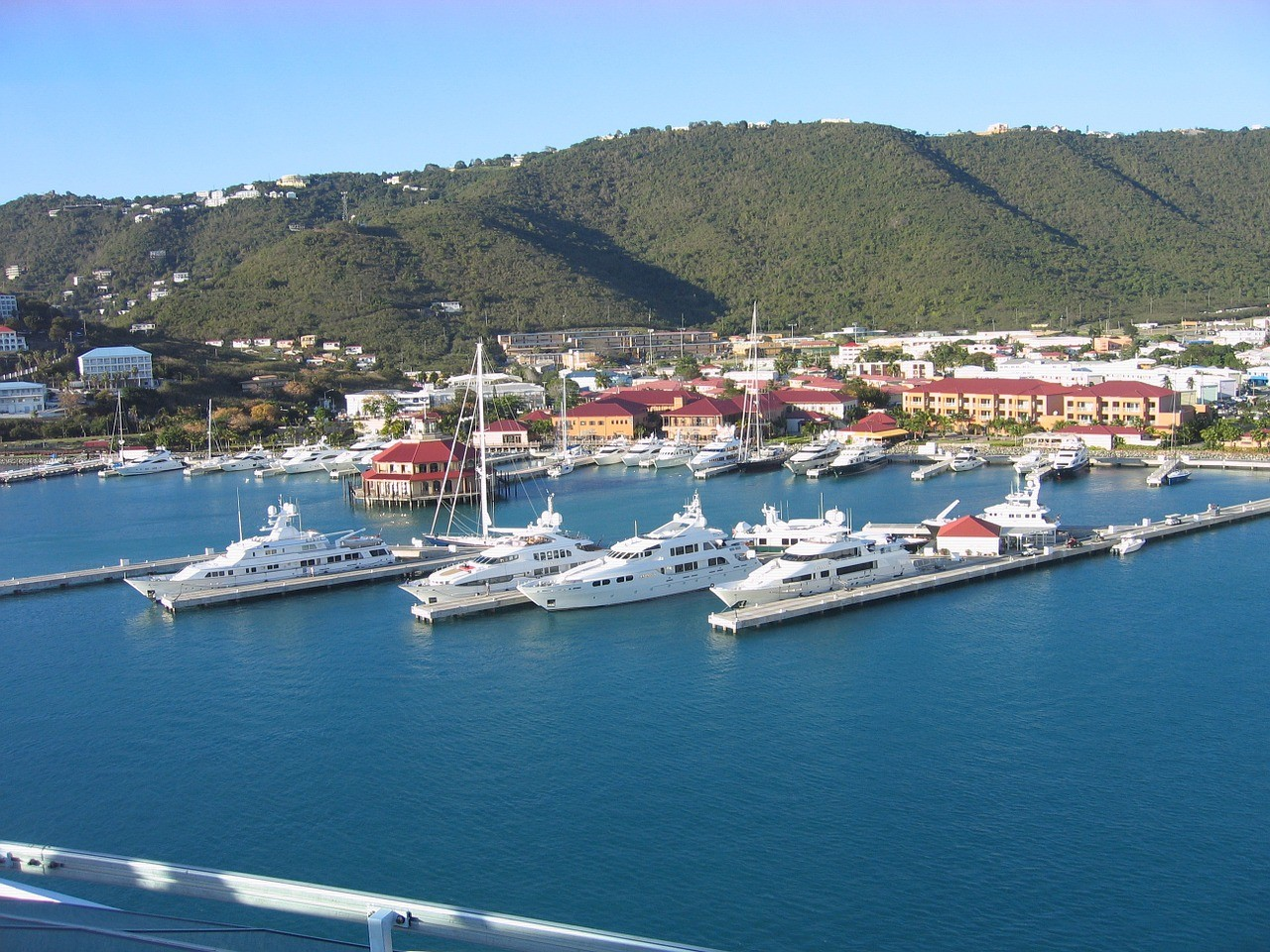 Американские Виргинские острова, Карибский бассейн