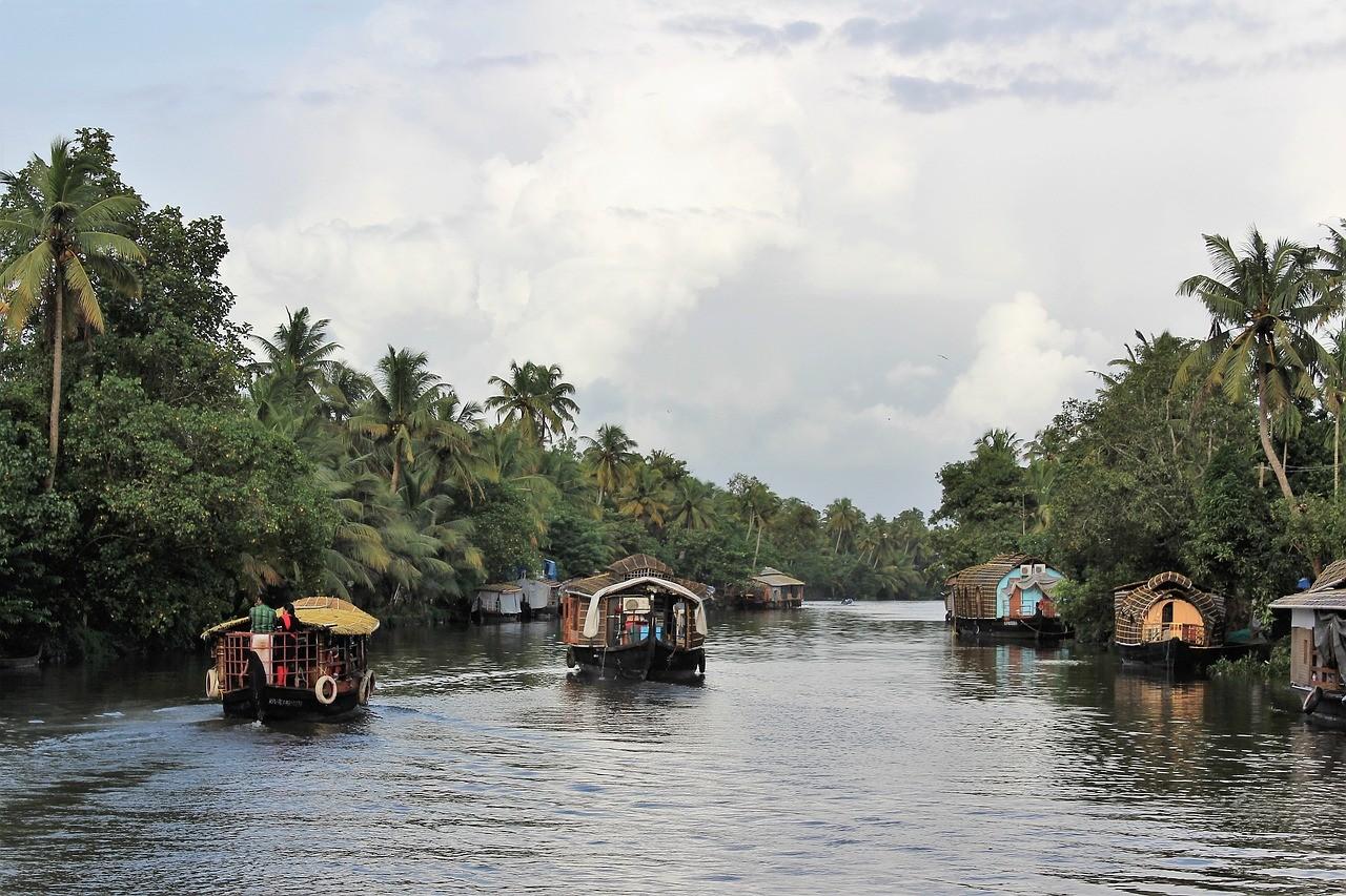 Дома на воде, штат керала, Индия