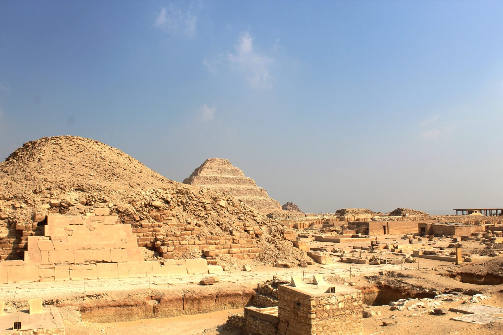 гид по пирамидам сакк