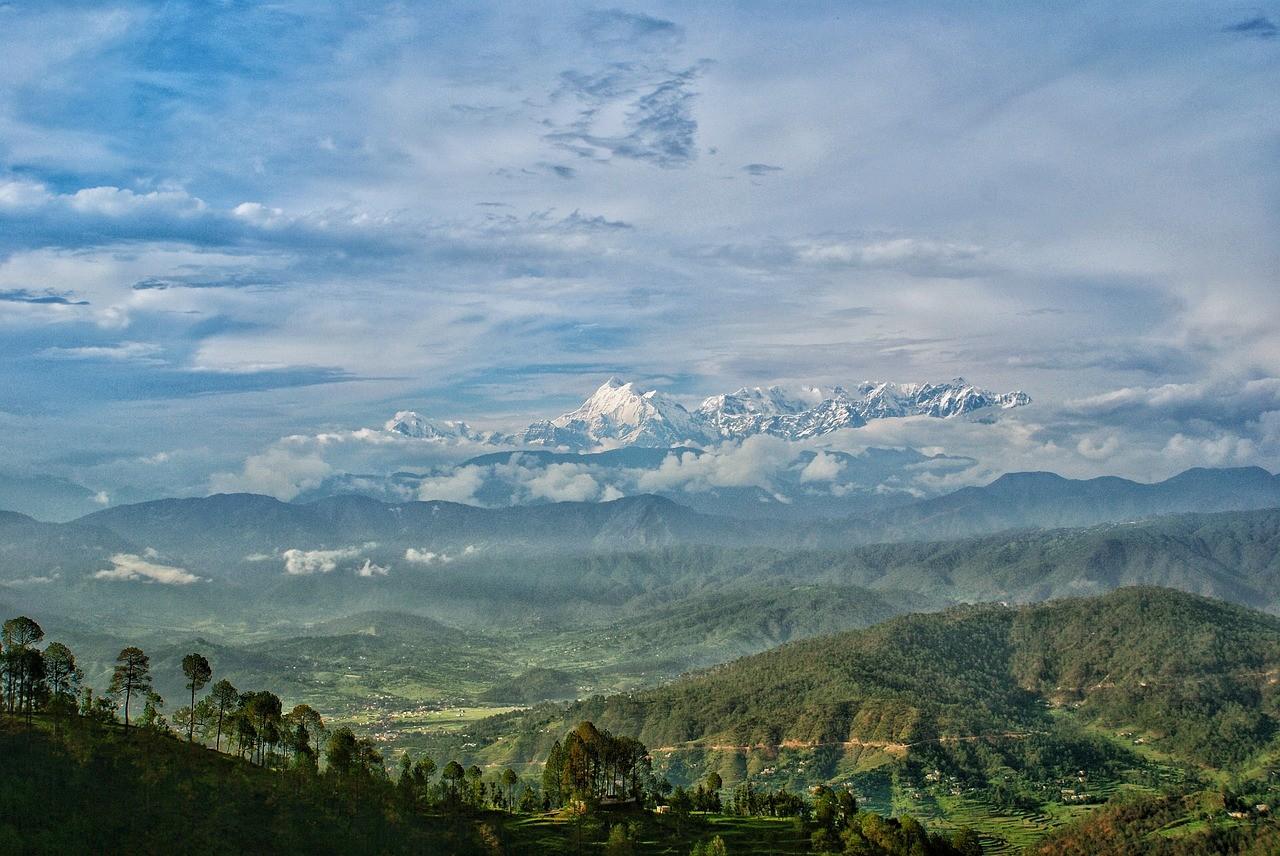 Горы Гималаи Индия лето