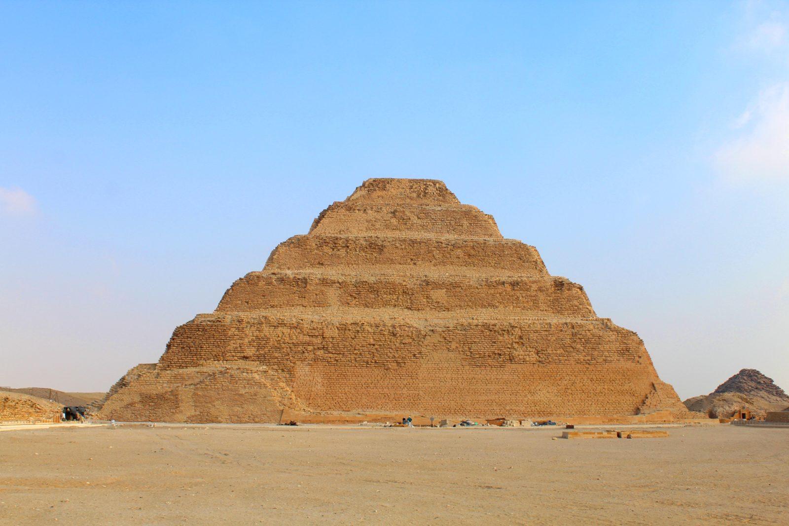 пирамида джосера саккара египет