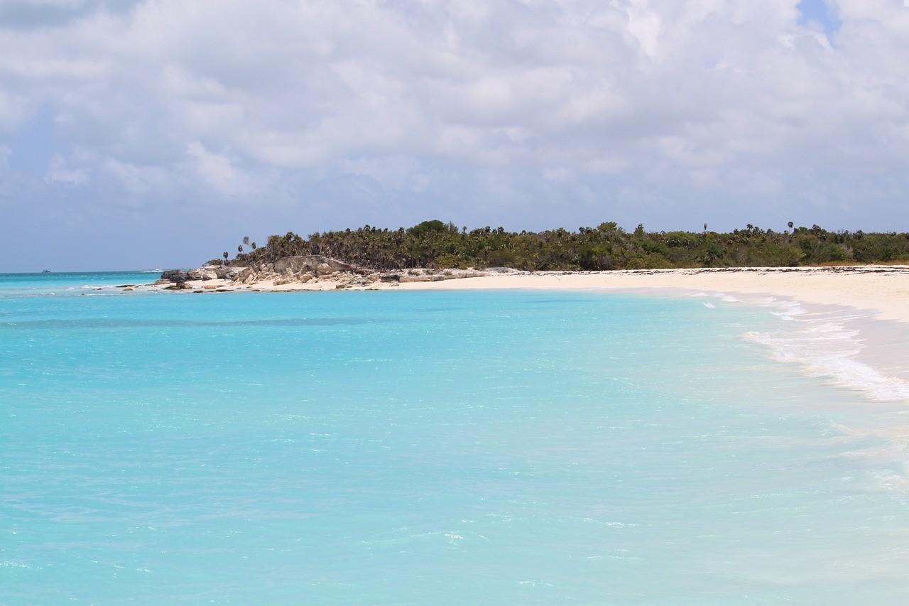 Теркс и Кайкос, Карибский бассейн, америка