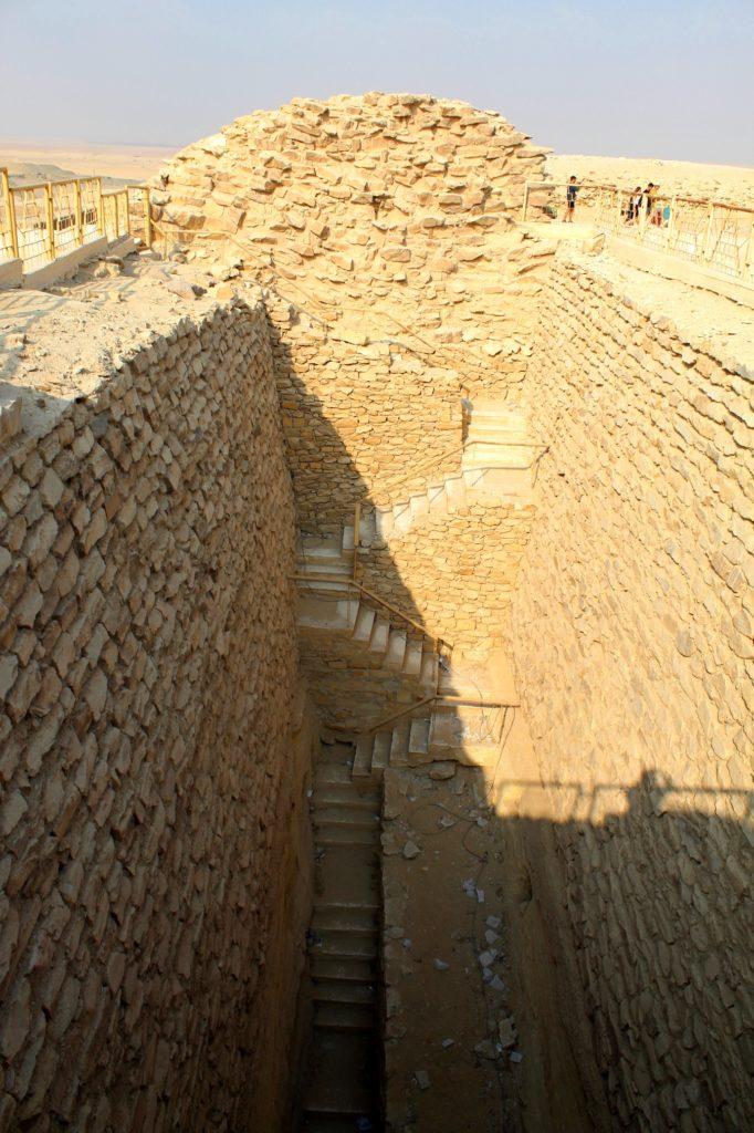 погребальные колодцы Саккары, Египет