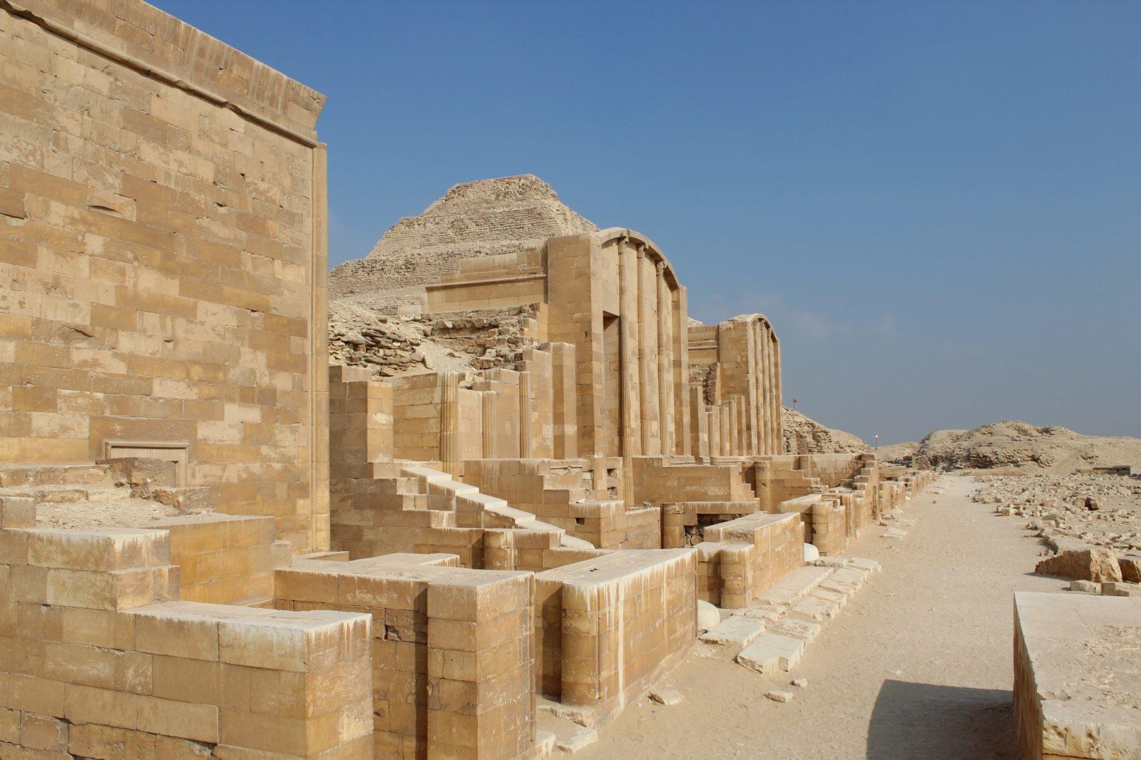 строения некрополя Саккары Египет