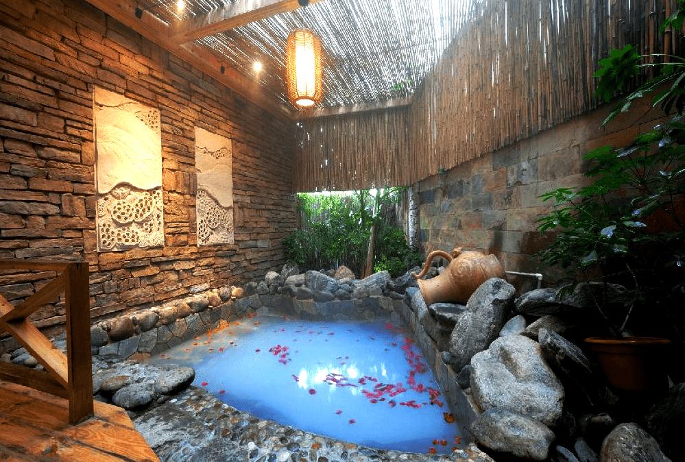 Горячие источники Аньнин, Куньмин, Китай