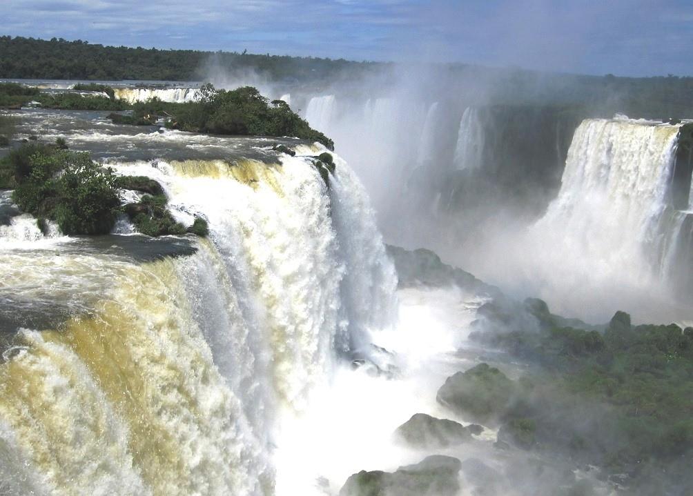 Национальный парк Игуасу в Аргентине и Бразилии