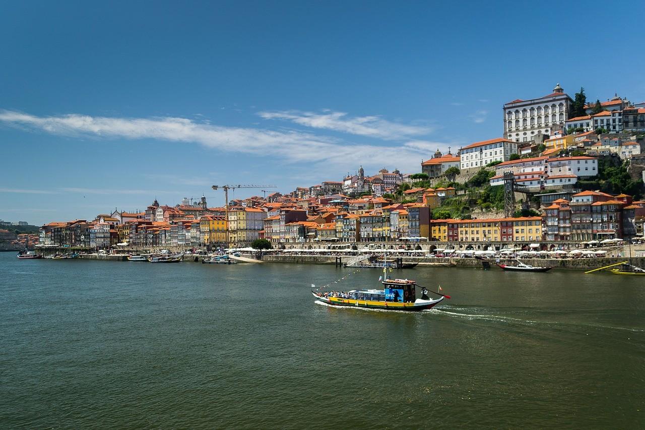 Cais da Ribeira, Порту, Португалия