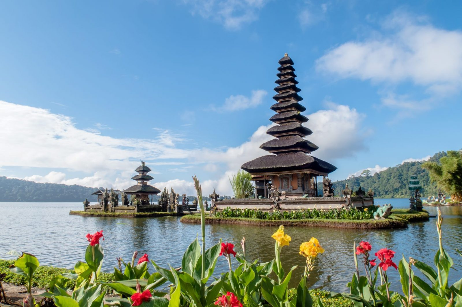 Храм Пура Улун Дану Братан, Бали, Индонезия