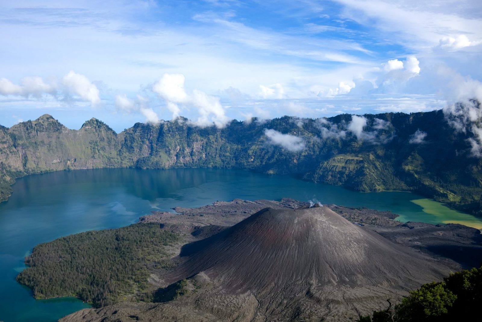 Вулкан Ринжани, Ломбок, Индонезия