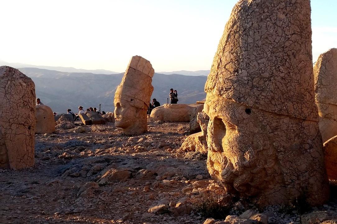 гора немрут, Турция