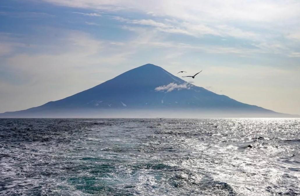 вулкан Алаид, Курильские острова